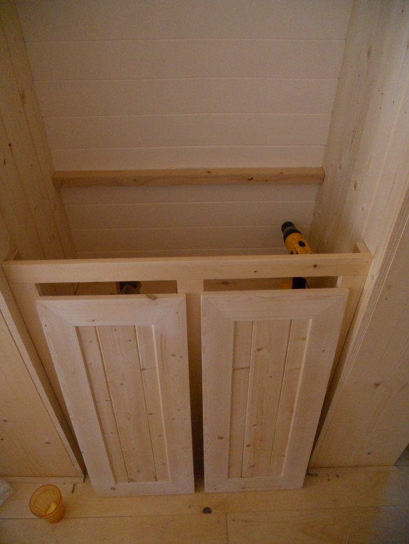 Linen Closet Cabinets